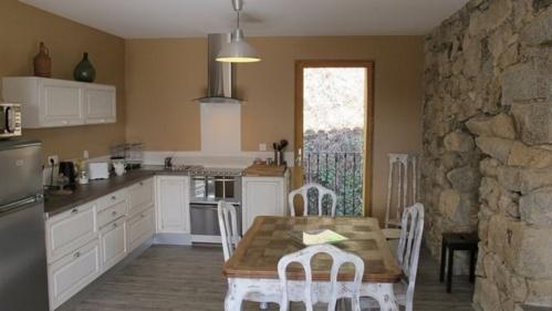 La maison de majoli maison d 39 h tes de charme pila canale vall e du taravo corse du sud - Table maison de famille ...
